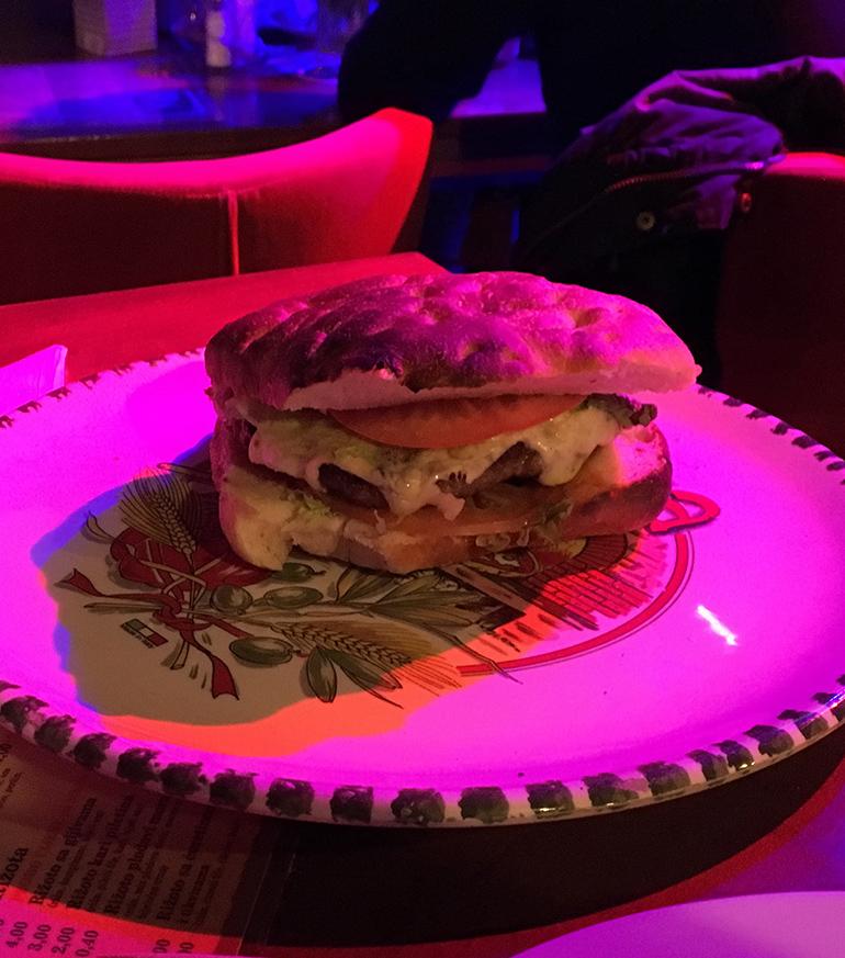 Corso Cheeseburger - Pizzeria & Bar Corso