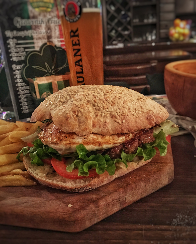 Irski Burger - Shamrock Pub Banja Luka