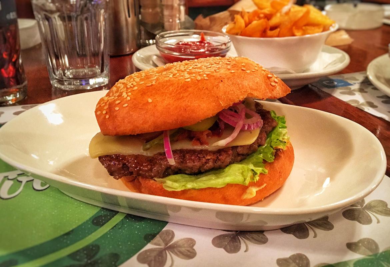 Mac Tire Burger - Mac Tire Pub