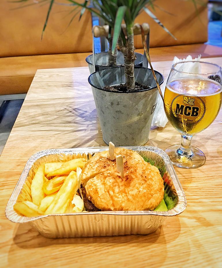 Burger sa goveđim mesom - The Master Craft Brewery Banja Luka