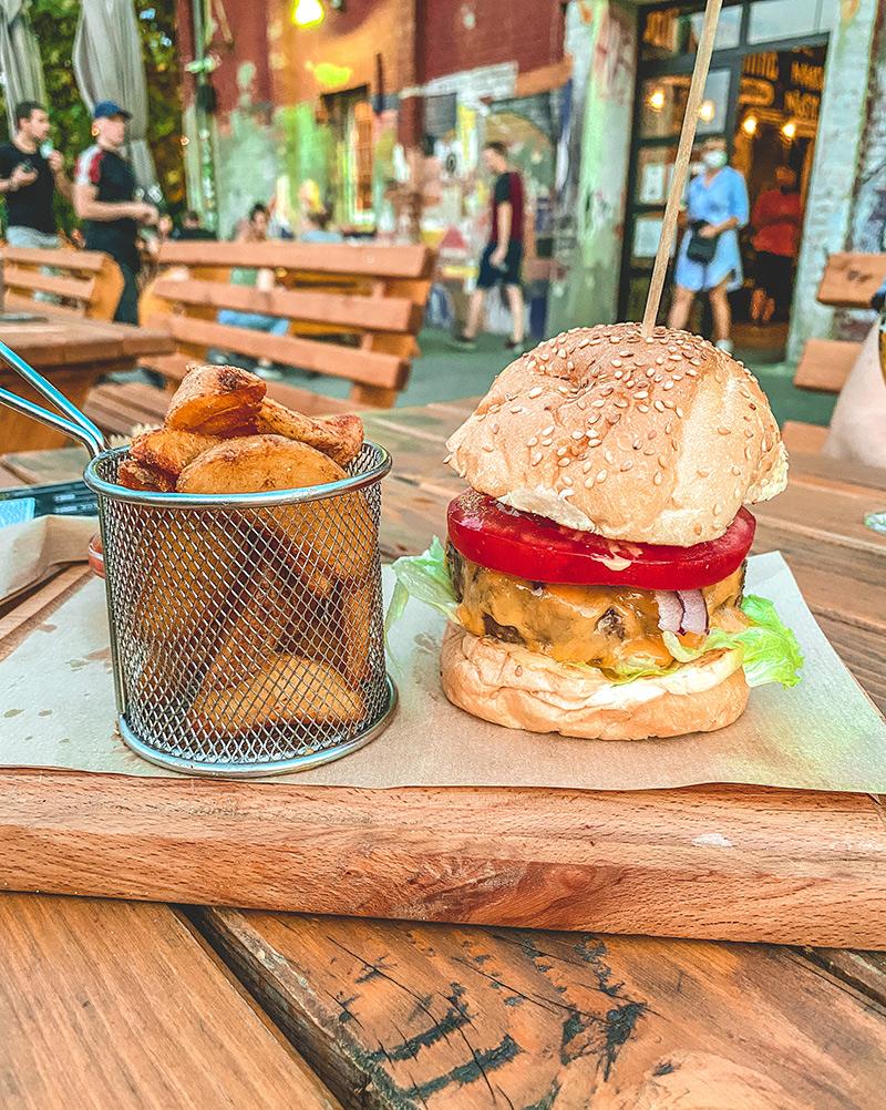 Classic Burger - Dogma Brewery, Beograd
