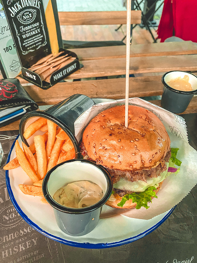 Dark Smoke Burger - Banat Bar, Kikinda
