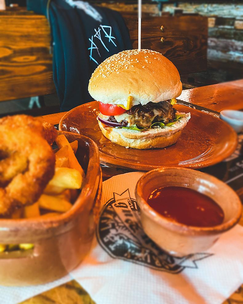 Heavy Metal Burger - Lion Pub, Zrenjnanin