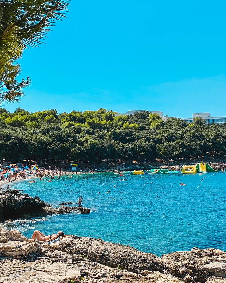 Ambrela plaža - Pula, Istra