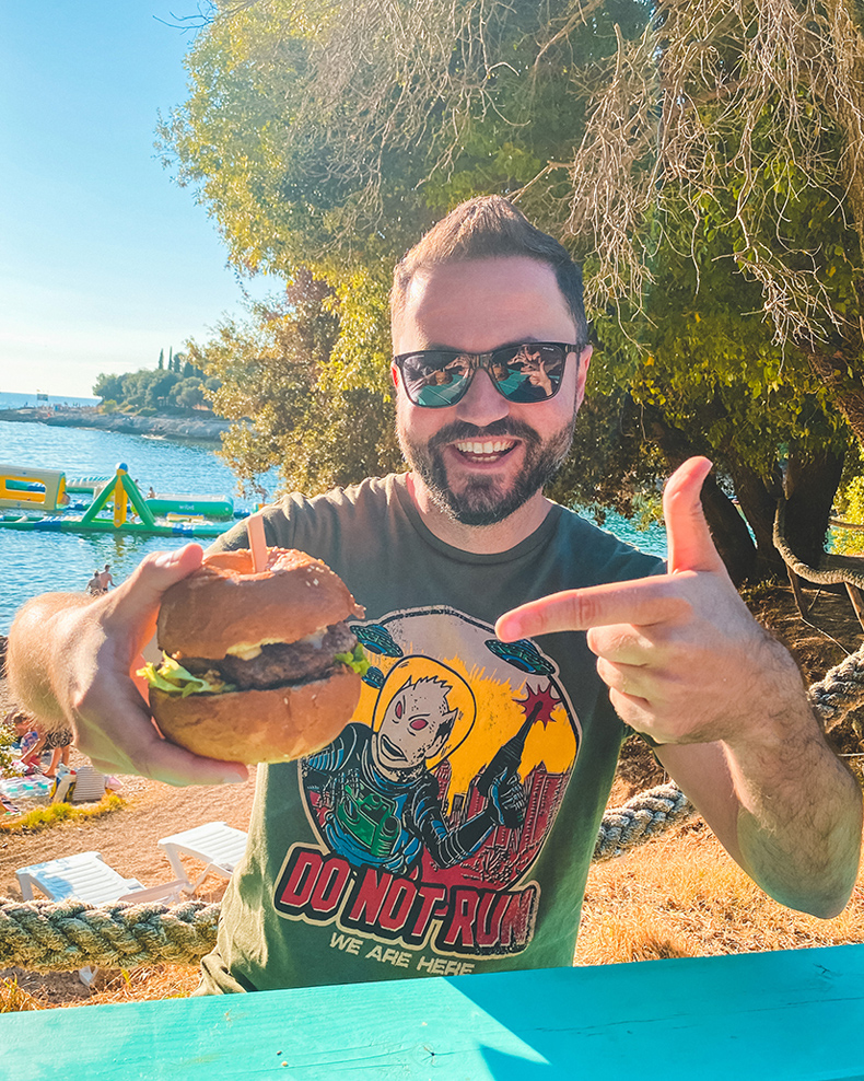 Nebojša Lakić - Bel Pićotto Tartufo Burger